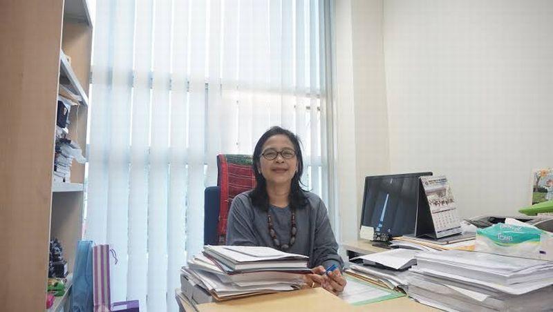 https: img.okezone.com content 2020 01 21 65 2156038 reini-wirahadikusumah-jadi-rektor-perempuan-pertama-itb-siapa-dia-FkSHbS6PWD.jpg