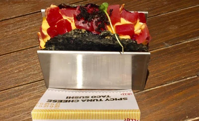 https: img.okezone.com content 2020 01 22 298 2156796 trik-bikin-taco-sushi-serenyah-di-restoran-mudah-kok-PKjrKJGMYt.jpg