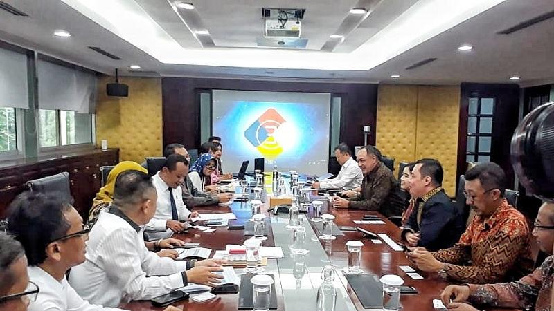 https: img.okezone.com content 2020 01 27 320 2159154 mnc-group-dukung-bkpm-tarik-investasi-ke-indonesia-XM3G9dpnWN.jpeg