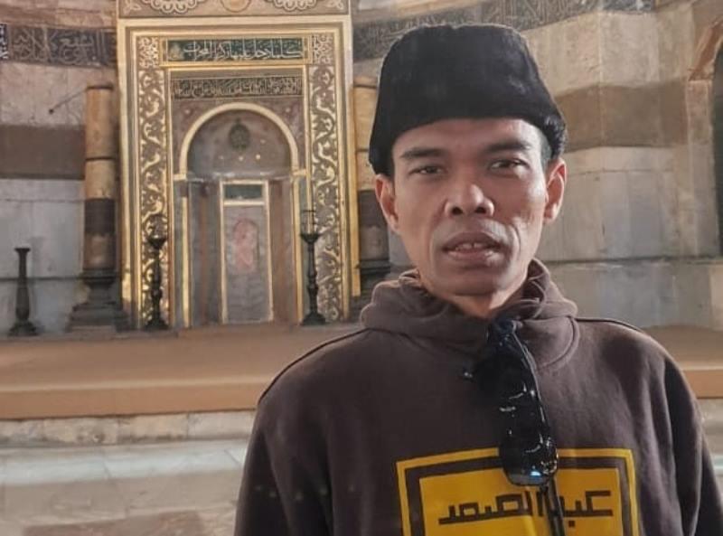 https: img.okezone.com content 2020 01 27 614 2158732 singgah-di-kota-islam-abdul-somad-cerita-tentang-sejarah-hagia-sophia-CTQvaYekLE.jpg