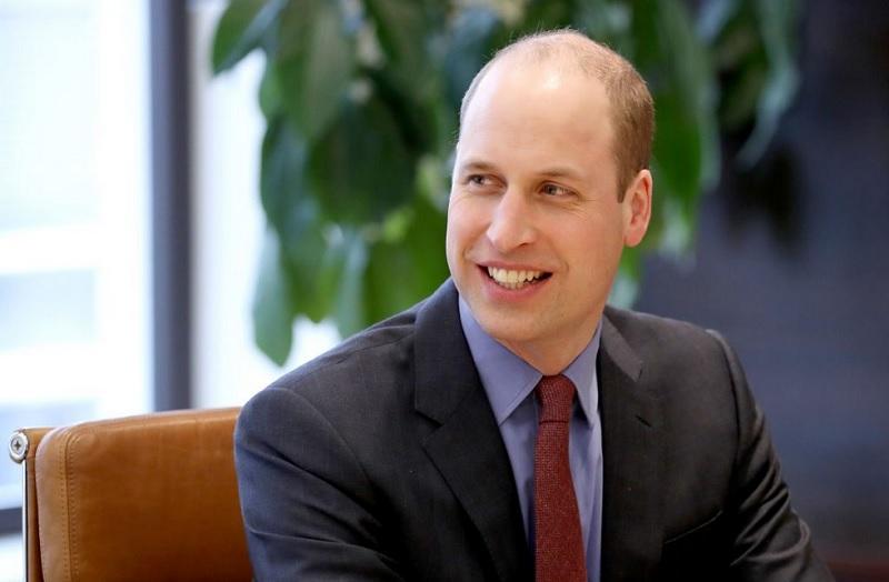 https: img.okezone.com content 2020 01 28 33 2159710 pangeran-harry-mundur-ratu-elizabeth-tambah-gelar-untuk-pangeran-william-vsyd6c5EjC.jpg