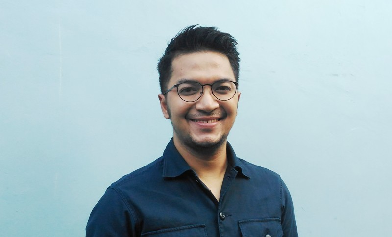 https: img.okezone.com content 2020 01 28 33 2159749 ternyata-ihsan-tarore-pernah-jadi-petani-sebelum-ikut-indonesian-idol-DEgTAMb5P6.jpg