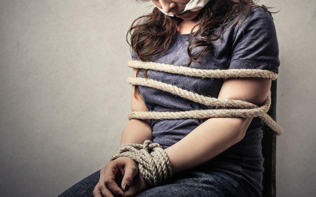https: img.okezone.com content 2020 01 29 609 2160321 kurang-kasih-sayang-orangtua-siswa-sma-nekat-rekayasa-penculikan-dirinya-Y8pZ2JobQx.jpg