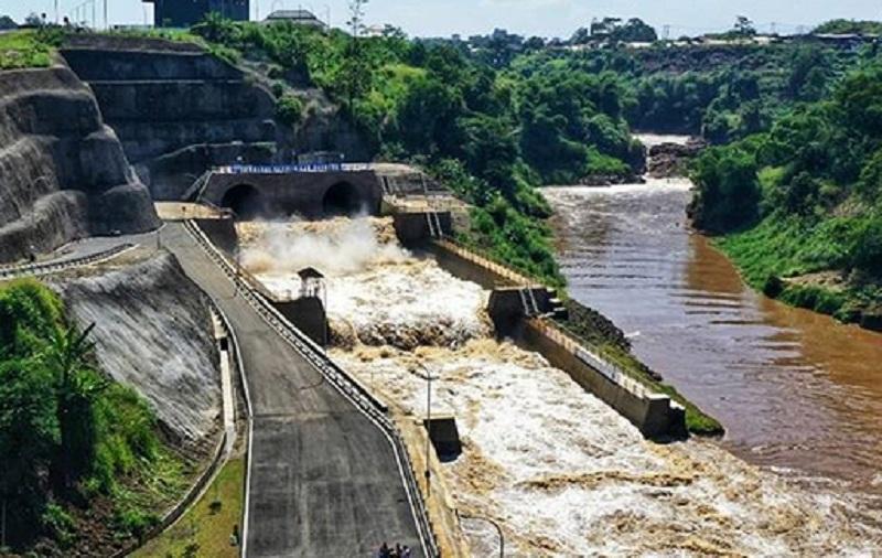 https: img.okezone.com content 2020 01 30 470 2160556 terowongan-nanjung-salah-satu-pengendali-banjir-bandung-dari-sektor-hulu-T5a8e9v9Nz.jpg