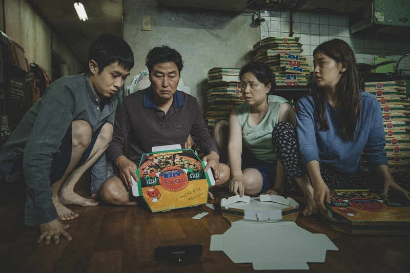 https: img.okezone.com content 2020 01 31 206 2161139 jelang-oscar-2020-parasite-menang-film-terbaik-di-london-film-critics-RToUhgT0kP.jpg