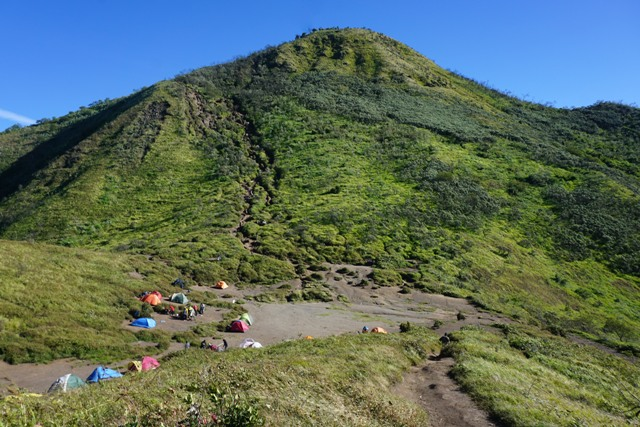 Jalur Pendakian Gunung Merbabu Mulai Dibuka Sabtu 1 Februari 2020 : Okezone  News