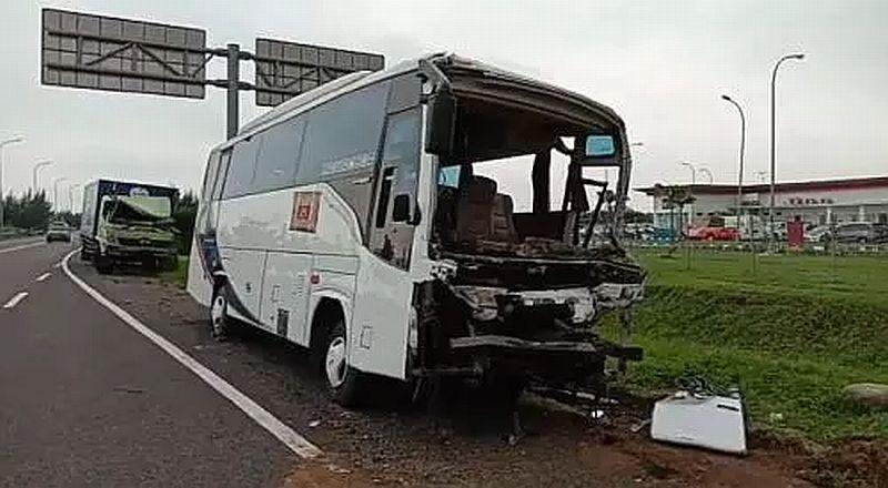 https: img.okezone.com content 2020 02 01 525 2161772 alami-kecelakaan-sopir-bus-pembawa-rombongan-kiai-nu-masih-trauma-l2vawAEB8G.jpg