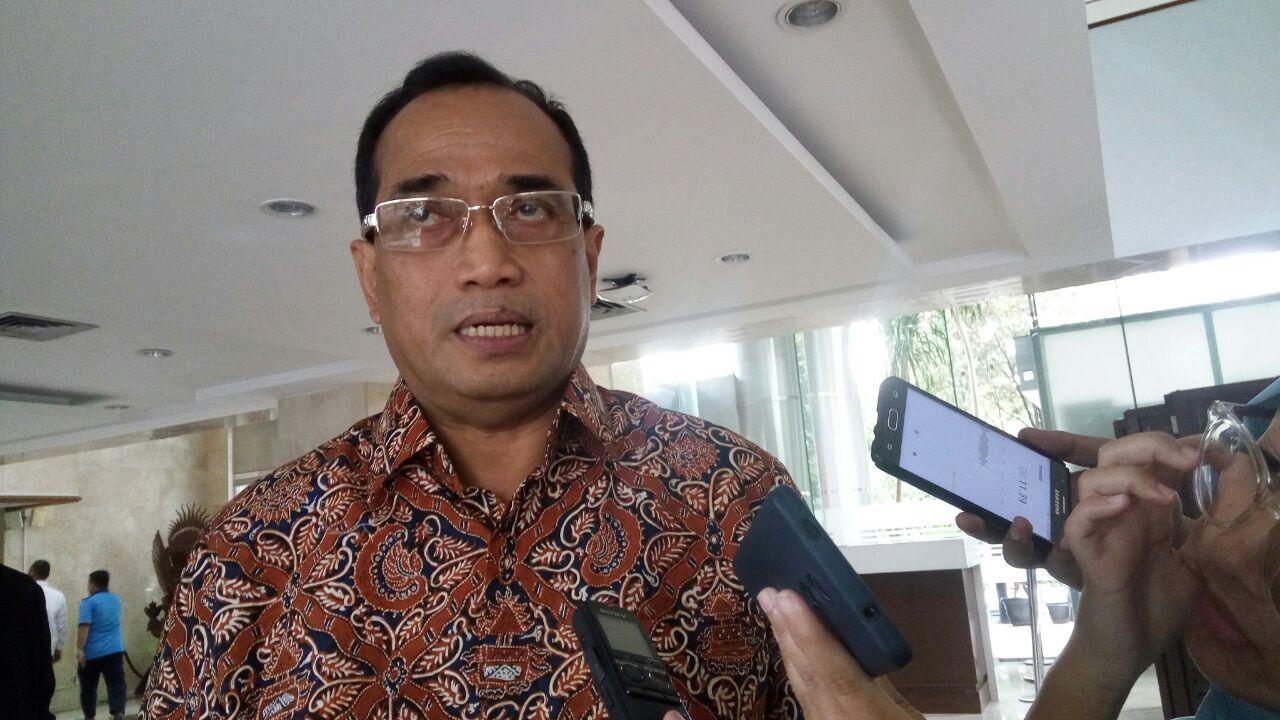 https: img.okezone.com content 2020 02 02 320 2162010 pelabuhan-tanjung-balai-karimun-bakal-dijadikan-pelabuhan-samudera-lVVXSaaDsu.jpeg