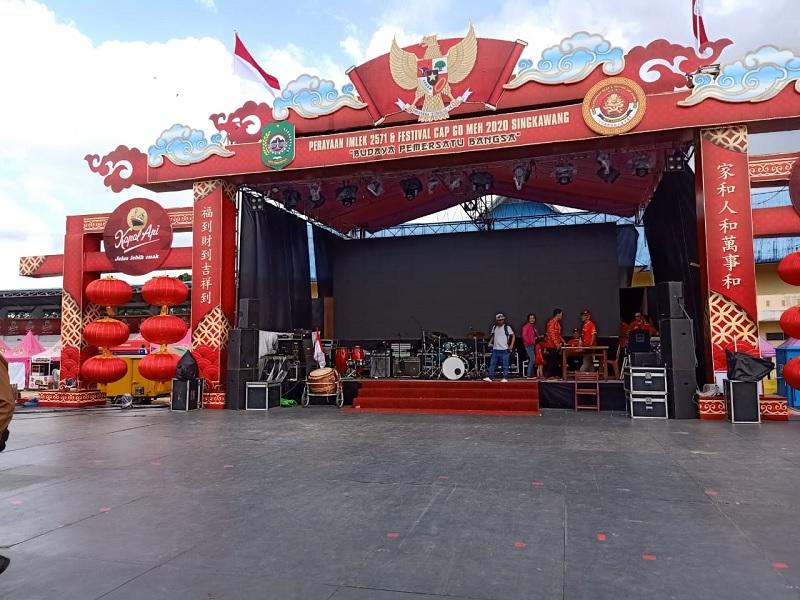 https: img.okezone.com content 2020 02 04 12 2163324 jangan-lupa-datang-cita-citata-akan-hebohkan-festival-cap-go-meh-singkawang-2020-XU5Q67Au4J.jpg