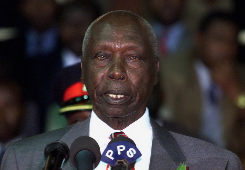 https: img.okezone.com content 2020 02 04 18 2163038 mantan-presiden-kenya-daniel-arap-moi-meninggal-di-usia-95-tahun-ZHf0yGUAzj.jpg