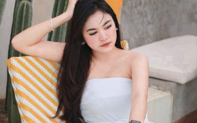 https: img.okezone.com content 2020 02 04 194 2163369 gaya-cantik-malini-top-6-indonesian-idol-sungguh-menggoda-sUbmjGR45W.jpg