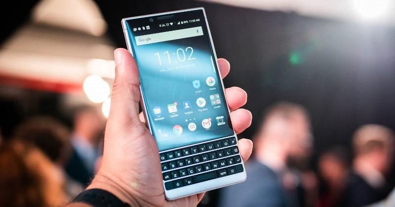 https: img.okezone.com content 2020 02 04 57 2163371 ponsel-merek-blackberry-bakal-hilang-di-akhir-2020-F2ofTIsNL2.jpg