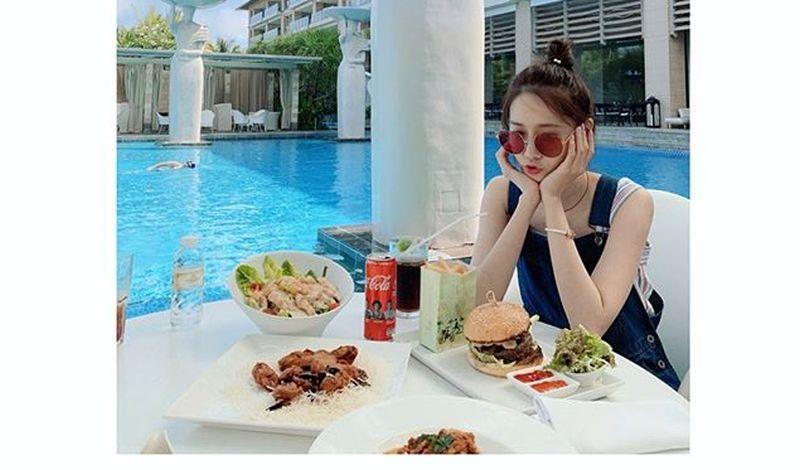 https: img.okezone.com content 2020 02 05 194 2163996 jadi-perempuan-tercantik-di-dunia-intip-5-inspirasi-outfit-kerja-yoona-snsd-GigcyiNiQZ.jpg