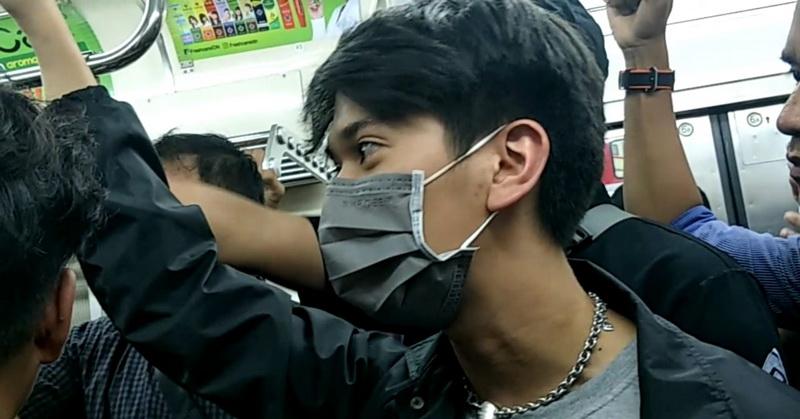 https: img.okezone.com content 2020 02 05 206 2163923 merasa-tak-aman-di-commuter-line-manajer-evakuasi-iqbaal-ramadhan-iSndgpbwW1.jpg