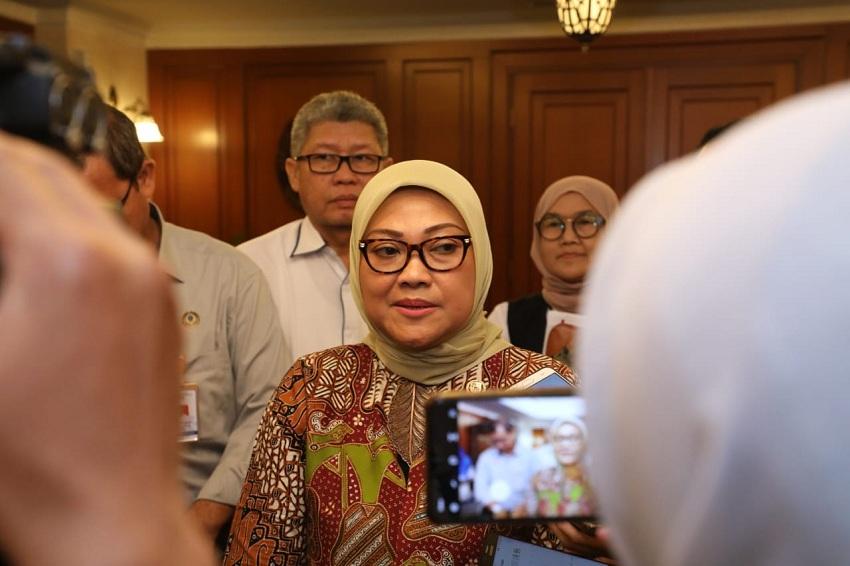 https: img.okezone.com content 2020 02 05 320 2163840 pemerintah-bakal-pantau-pekerja-indonesia-di-singapura-yang-positif-korona-bVPoc1ChKG.jpeg