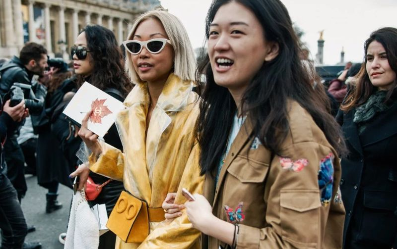 https: img.okezone.com content 2020 02 06 194 2164561 virus-korona-merebak-ajang-fashion-week-dunia-lebih-sepi-2yxMd7wkOu.jpg