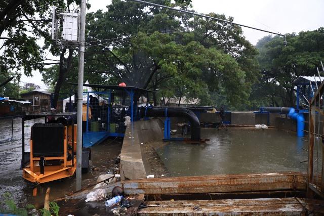 https: img.okezone.com content 2020 02 06 338 2164297 45-pompa-air-dikerahkan-sedot-banjir-di-tangerang-fUPsQfeD7Z.jpg
