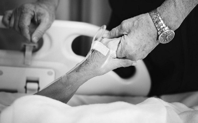 https: img.okezone.com content 2020 02 06 481 2164521 pasien-kanker-indonesia-banyak-yang-berobat-ke-singapura-ini-penjelasannya-NLHqFntmm2.jpg