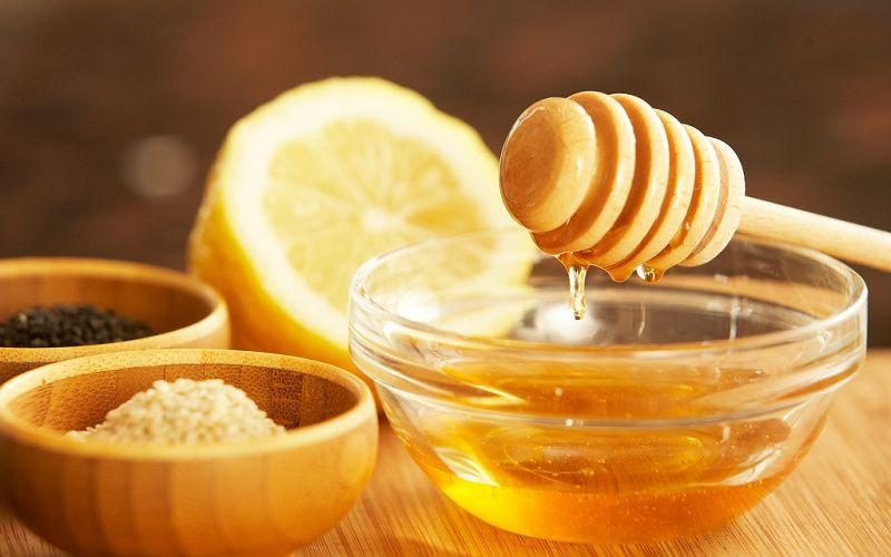 https: img.okezone.com content 2020 02 06 611 2164384 ramuan-pelembap-alami-lemon-untuk-melembutkan-tangan-sb6ziVw85R.jpg