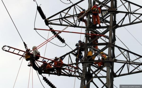 https: img.okezone.com content 2020 02 07 320 2164886 butuh-rp10-7-triliun-untuk-listriki-seluruh-wilayah-indonesia-P5IRBEYZWQ.jpg