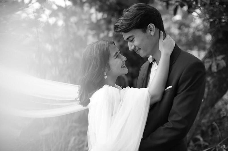 https: img.okezone.com content 2020 02 07 33 2164699 mesra-dengan-jeff-smith-prilly-latuconsina-umumkan-tanggal-pernikahan-UqFUrXvRbK.jpg