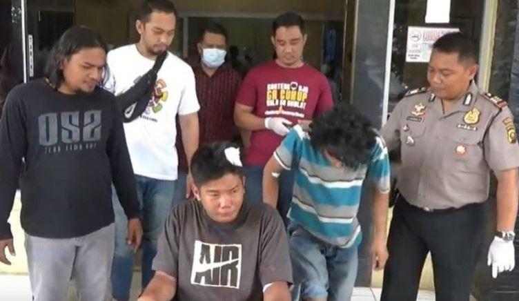 https: img.okezone.com content 2020 02 07 610 2164693 2-bersaudara-residivis-curanmor-di-palembang-ditembak-polisi-pX4pxXJono.JPG
