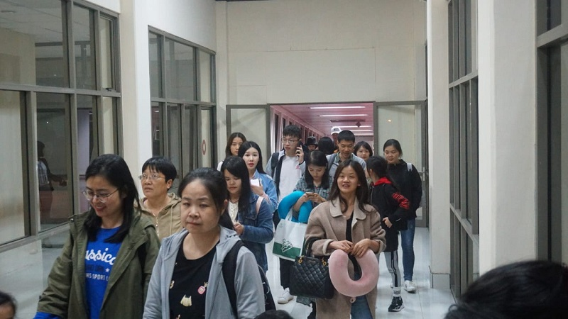 https: img.okezone.com content 2020 02 08 320 2165420 kunjungan-turis-china-ke-manado-menurun-900-pekerja-wisata-dihentikan-sementara-RzkVmTptjp.jpg