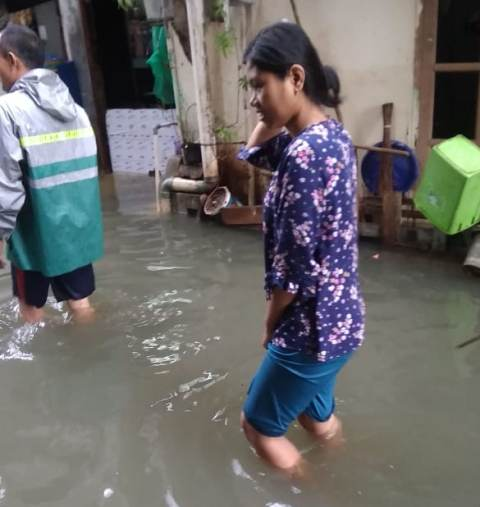 https: img.okezone.com content 2020 02 08 338 2165310 diguyur-hujan-semalaman-daerah-rawa-buaya-kembali-banjir-aSkshuu0Tk.jpg