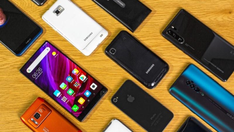 https: img.okezone.com content 2020 02 11 57 2166927 penjualan-ponsel-awal-tahun-tak-seramai-akhir-tahun-UlhU4fyU5a.jpg