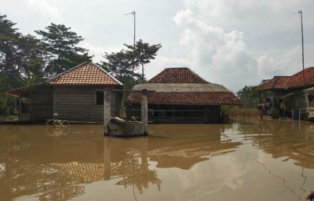 https: img.okezone.com content 2020 02 12 610 2167210 belum-dua-bulan-sumsel-dilanda-6-kali-longsor-dan-3-kali-banjir-bandang-Qkh9CsiA1c.JPG