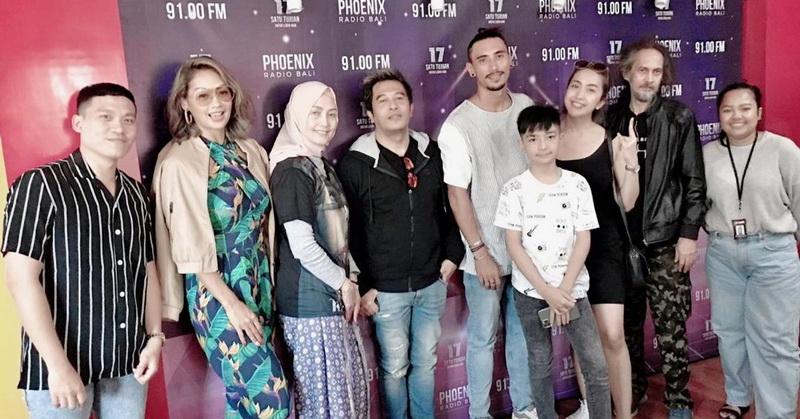 https: img.okezone.com content 2020 02 13 206 2168178 tayang-perdana-tiket-film-kajeng-kliwon-langsung-sold-out-39xJSGhXiS.jpg