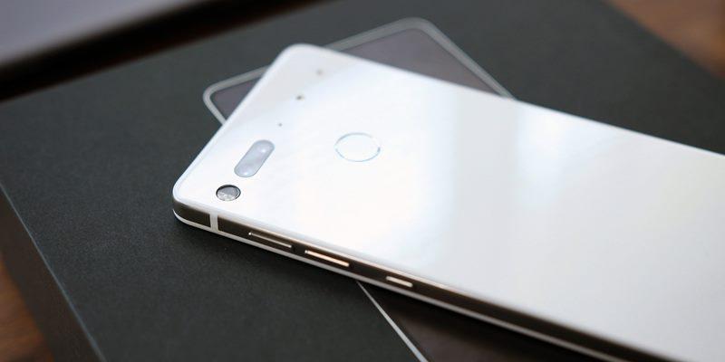 https: img.okezone.com content 2020 02 13 57 2167953 startup-ponsel-essential-milik-bapak-android-tutup-C9at3OdXPu.jpg