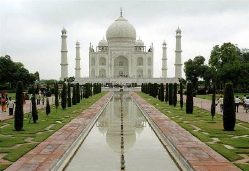 https: img.okezone.com content 2020 02 13 615 2167963 wisata-religi-ke-india-jangan-lupa-jelajahi-tempat-ini-rLGOUqWlBI.jpg