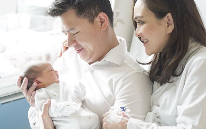 https: img.okezone.com content 2020 02 14 196 2168256 family-goals-pertama-shandy-aulia-di-hari-valentine-QD0l7kGkw7.jpg