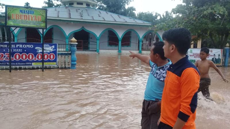 https: img.okezone.com content 2020 02 15 340 2169092 banjir-landa-3-kecamatan-di-rohul-riau-akses-jalan-terputus-WZQSUzmXAn.png