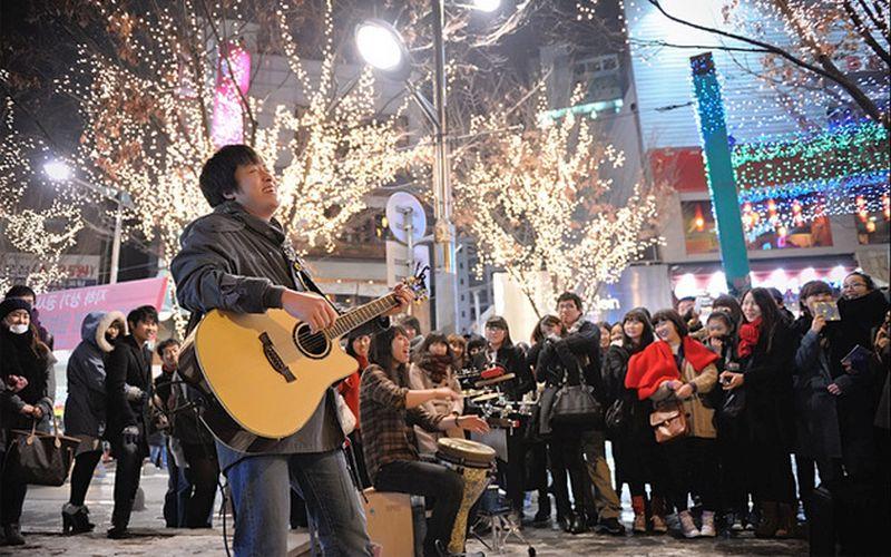 https: img.okezone.com content 2020 02 16 406 2169219 valentine-gembok-cinta-dan-3-tempat-paling-romantis-di-korea-SqYM2AgCKE.jpg
