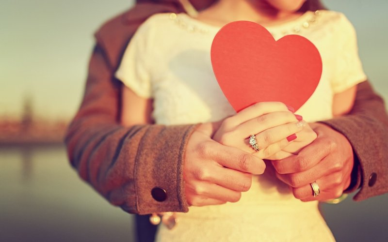 https: img.okezone.com content 2020 02 16 612 2169237 kisah-cinta-putri-kandas-di-tengah-jalan-menuju-pernikahan-LiPdttJsnN.jpg