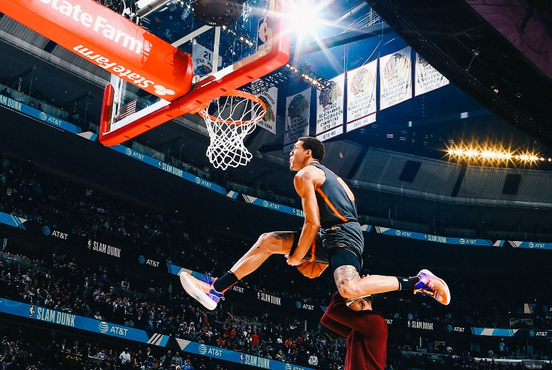 https: img.okezone.com content 2020 02 17 36 2169441 gagal-juarai-slam-dunk-contest-aaron-gordon-ngambek-EDYlL3Gxit.jpg