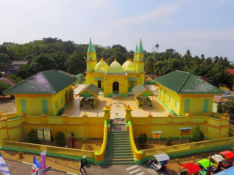 https: img.okezone.com content 2020 02 18 1 2170365 singapura-dan-malaysia-bakal-semarakkan-festival-pulau-penyengat-2020-iruwQ03gaj.jpg