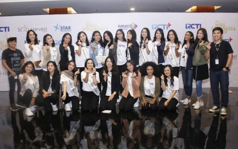 https: img.okezone.com content 2020 02 18 194 2170572 liliana-tanoesoedibjo-miss-indonesia-harus-punya-nasionalisme-tinggi-iXx9hqVvTR.jpg