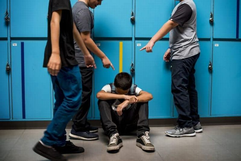 https: img.okezone.com content 2020 02 18 612 2170152 marak-bullying-di-sekolah-kpppa-pastikan-pelaku-tak-lolos-dari-hukuman-Ux9oZVMX8Y.jpg