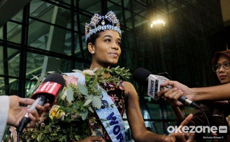 https: img.okezone.com content 2020 02 19 194 2170737 final-miss-indonesia-20-februari-miss-world-semangati-34-finalis-miss-indonesia-2020-QUnqvk04lY.jpg