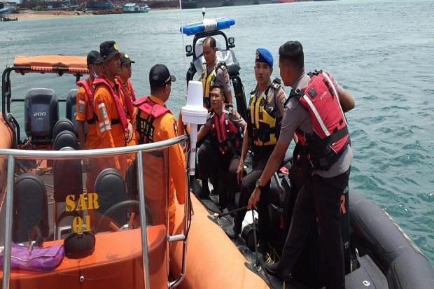 https: img.okezone.com content 2020 02 19 340 2171034 boat-pancung-tenggelam-di-perairan-batam-3-selamat-1-hilang-8AaJQzKyh2.jpg