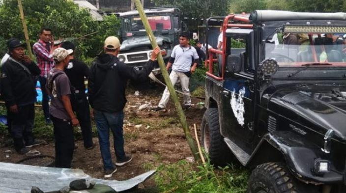 https: img.okezone.com content 2020 02 19 510 2171151 jeep-alami-kecelakaan-tunggal-6-penumpang-luka-luka-Ya5eIBjy0b.JPG