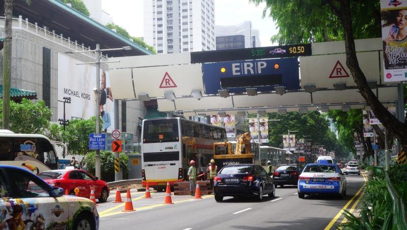 https: img.okezone.com content 2020 02 19 52 2170775 singapura-larang-mobil-bermesin-bensin-dan-diesel-jSpW2Ds8Df.jpg