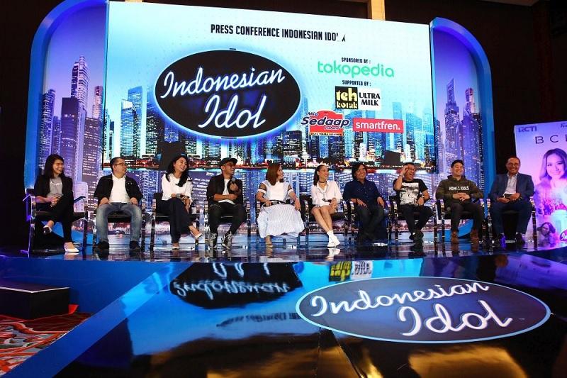 https: img.okezone.com content 2020 02 19 598 2171122 ini-hadiah-yang-akan-diterima-finalis-indonesian-idol-Aac3foJqft.jpg