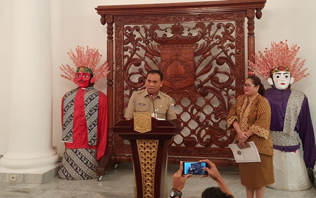 https: img.okezone.com content 2020 02 20 338 2171682 pemprov-dki-ingin-indonesia-terkenal-di-dunia-dan-akhirat-lewat-gelaran-formula-e-di-monas-8cm3GXIsf9.jpg