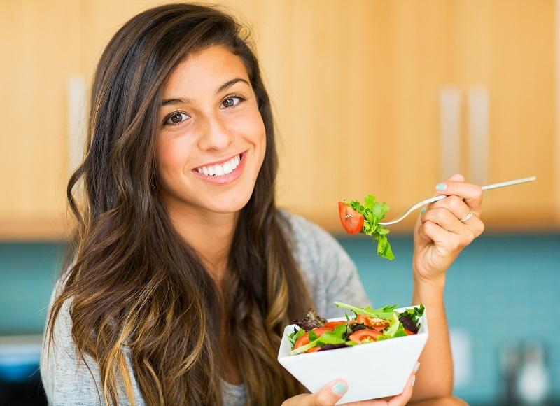 https: img.okezone.com content 2020 02 20 481 2171303 5-pola-makan-sehat-untuk-cegah-sakit-jantung-zjQhFsrD53.jpg