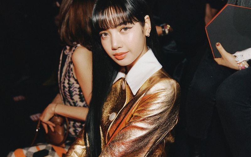 https: img.okezone.com content 2020 02 21 194 2172276 tampilan-mewah-lisa-blackpink-di-milan-fashion-week-2020-FFqsBd4Lvk.jpg