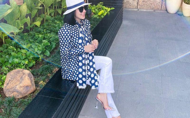 https: img.okezone.com content 2020 02 21 194 2172304 5-koleksi-high-heels-mewah-syahrini-ada-yang-hampir-rp30-juta-N1uYZy39tx.jpg